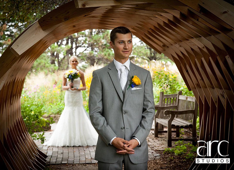 shanda wacker and groom in woodland garden