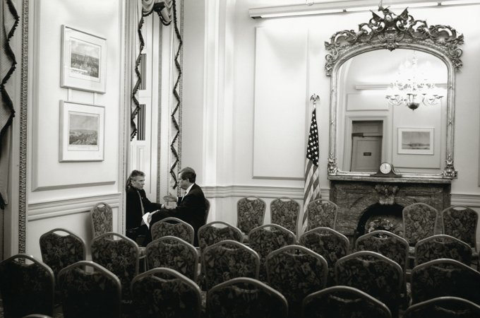 Democratic and Republican party leaders Daschle and Lott negotiate committee membership details, 2001.