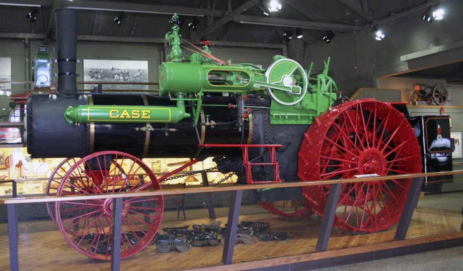 Image of the 1915 J. I. Case Steam Engine 65 hp inside the Ag Museum.
