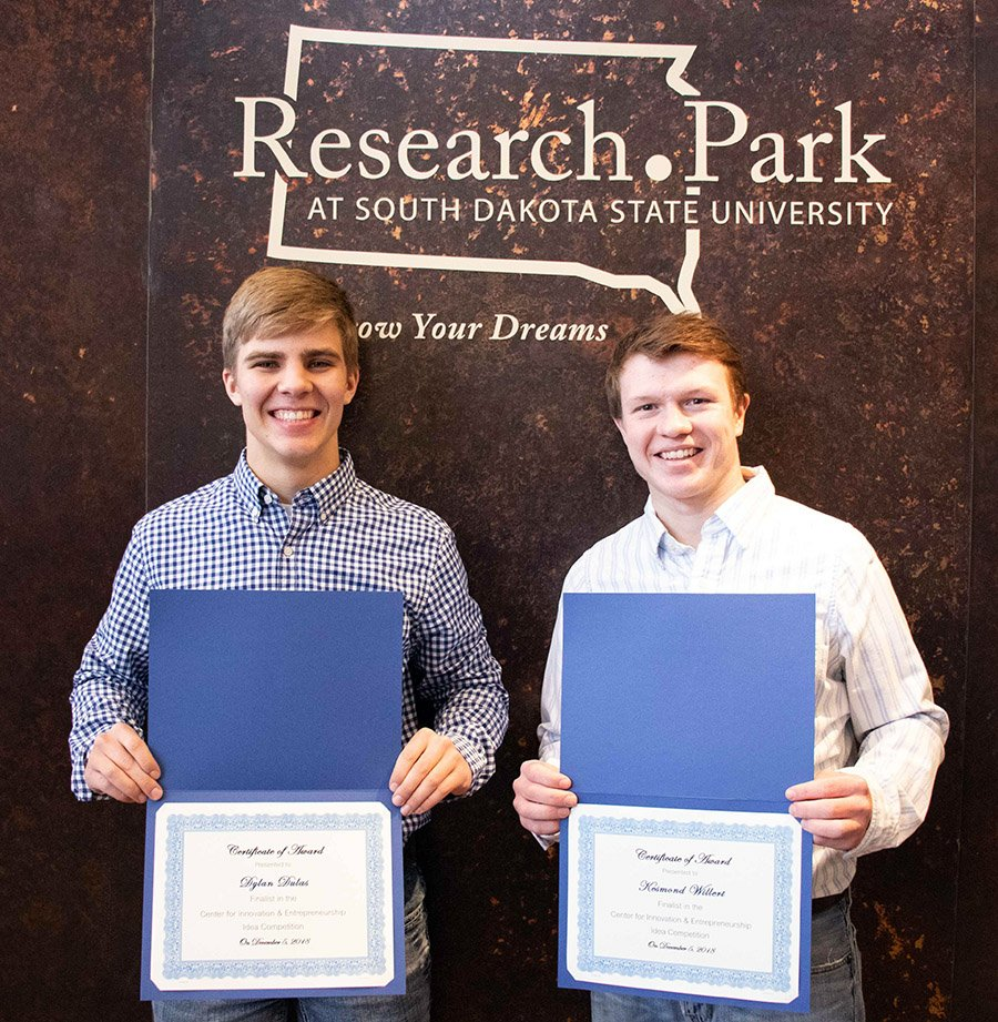Dylan Dulas and Kesmond Willert win Idea Competition