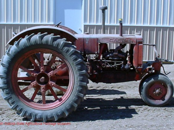 RC Case Tractor 1938
