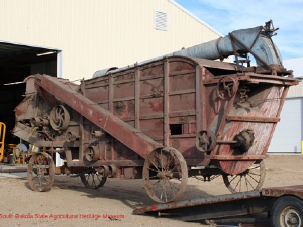 Reeves Threshing Machine 1901