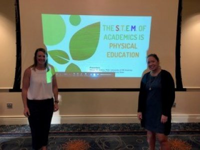 Tracy Nelson and Megan Adkins presenting at conference