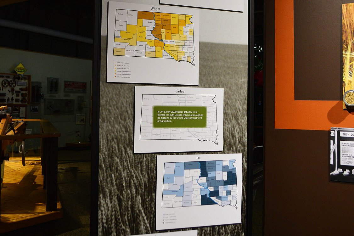 Maps of where wheat, barley, sorgum, and oats are grown in SD.